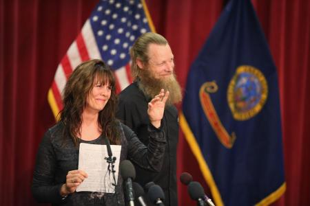 Parents of freed US soldier read an emotional letter to son