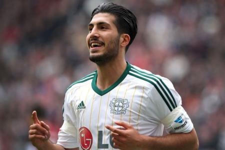 Pool swoop up Emre Can