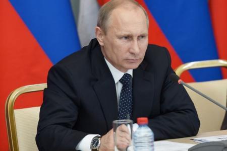 Putin: Hillary Clinton is weak