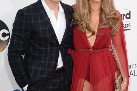 J-Lo splits up with Smart