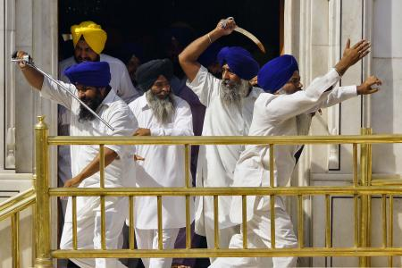Many injured in sword fight at Sikhism's holiest shrine