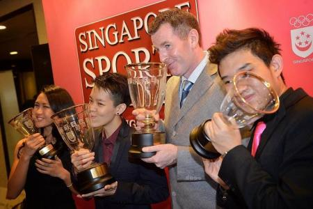 Gilchrist, Shayna grab top honours