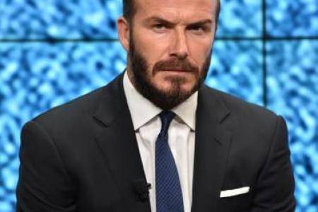 See Zinedine Zidane destroy David Beckham's trophy case