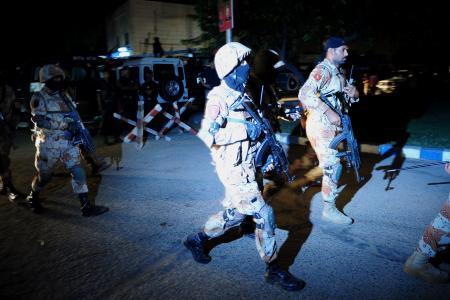 21 dead after gunmen storm Karachi airport