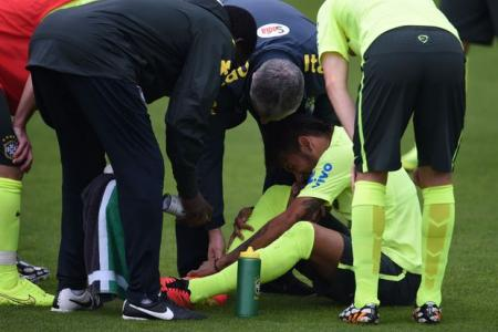 Neymar gives Brazil momentary scare