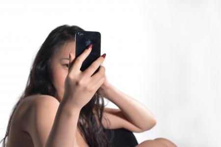 "53-year-old woman blackmailed by online ""boyfriend"" after she sends him nude photo"
