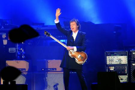 Paul McCartney reschedules tour on doctors' orders