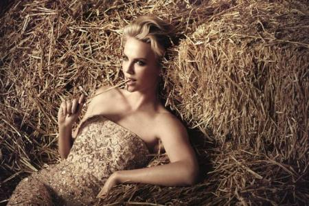 Charlize Theron shows off her comedic side