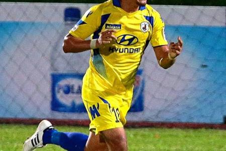 Alam Shah drags Stags back