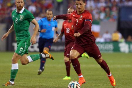 Ronaldo shines on return as Portugal rout Ireland