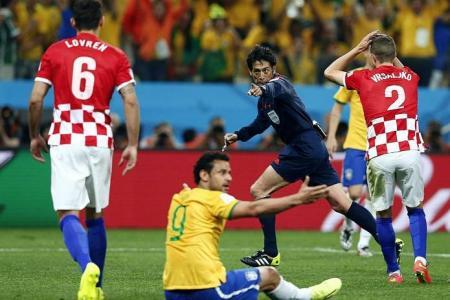 Scolari blasts Croatia's penalty claim