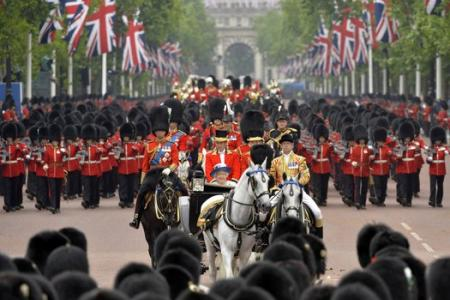 Queen Elizabeth celebrates her 88th birthday with pomp