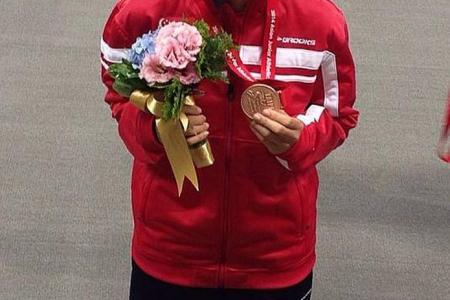 Jannah sets new 100m hurdles record