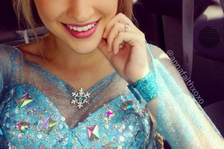 Teen model who looks like Frozen's Elsa wants role in Once Upon A Time
