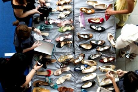 Sex versus shoes: Guess what 1 in 5 women prefer?