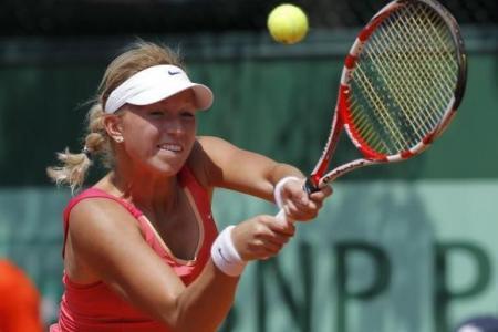 Tennis player's boyfriend proposes on court