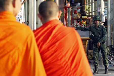 Thai hotline targets unruly monks