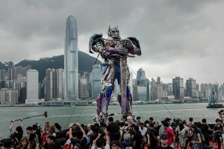 Hollywood goes to Hong Kong for glitzy 'Transformers 4' premiere