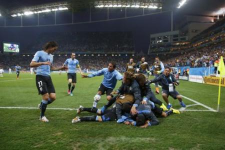 World Cup 2014: Luis Suarez 2, England 1