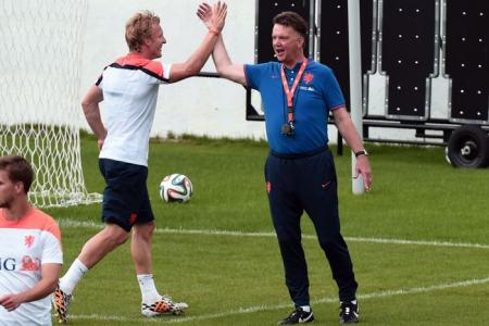 Ex-Liverpool star (reluctantly) backs van Gaal to succeed at Man Utd