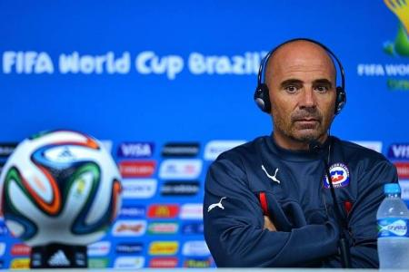 Chile refuse to train on match pitch
