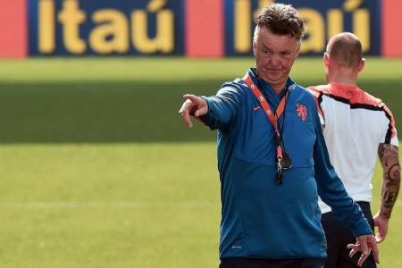 Van Gaal slams Fifa's 'tricks'