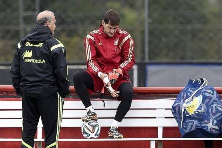 Del Bosque to drop Xavi, Casillas