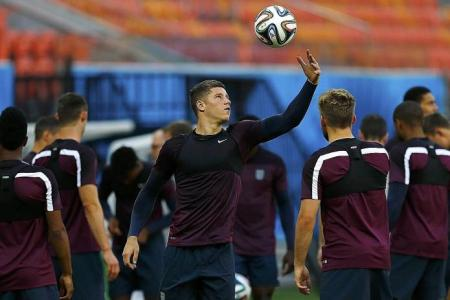 Hodgson makes nine changes for Costa Rica game
