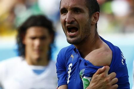 Suarez ban 'excessive', says victim Chiellini