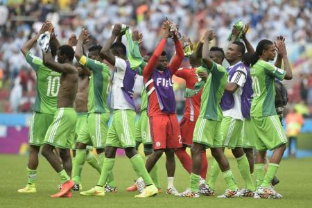 Nigerian president assures players over World Cup bonuses