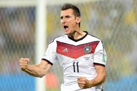 Germany's Klose can get goals record against Algerians