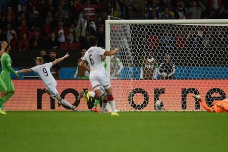 Germans defeat brave Algerians in extra time