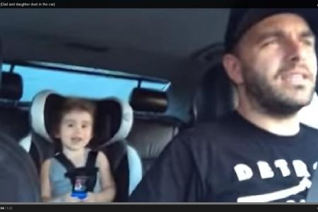 Dad and girl, 3, groove to Let It Go