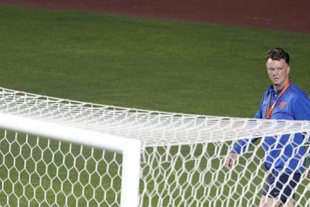 Van Gaal says Holland can win World Cup