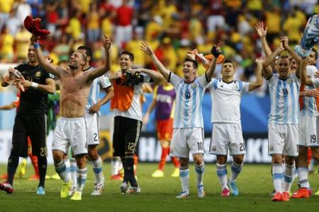 Early Higuain goal sends Argentina through to World Cup semi finals