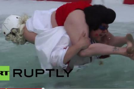 A wife carrying world championship.... for real