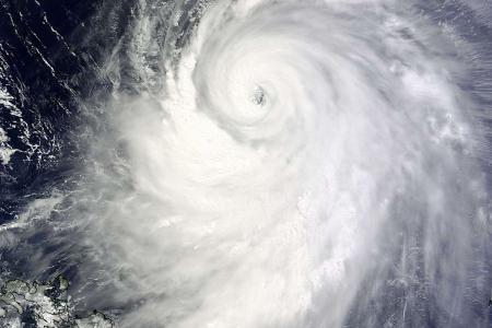Japan issues highest alert over super typhoon Neoguri