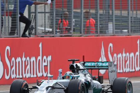 Hamilton wins at home after Rosberg retires