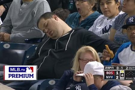 Baseball fan falls asleep at game, now he's suing for US$10 million