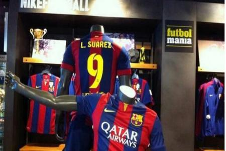 Suarez's Barca No.9 jerseys on sale