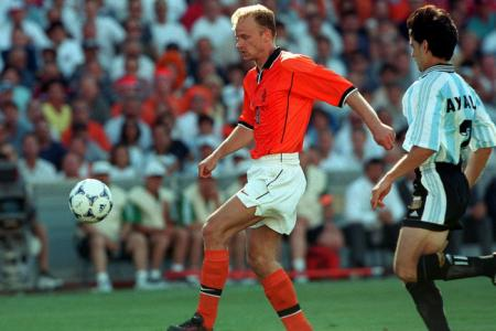 Can Holland replicate Bergkamp magic from '98 and knock out Argentina?