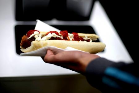 Man chokes to death during hot dog eating contest