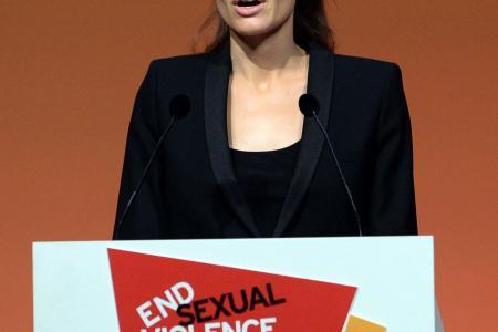 Shocking video of Angelina Jolie, the drug addict