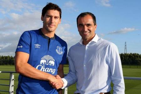 Gareth's sweet Toffees deal! Everton sign Barry for three years
