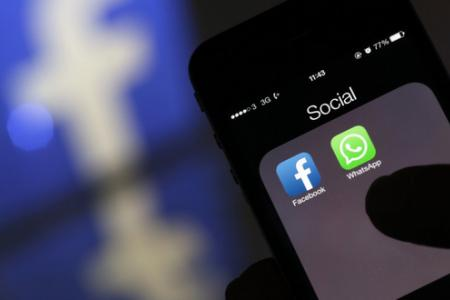 Study: Bosses use social media at work more than employees