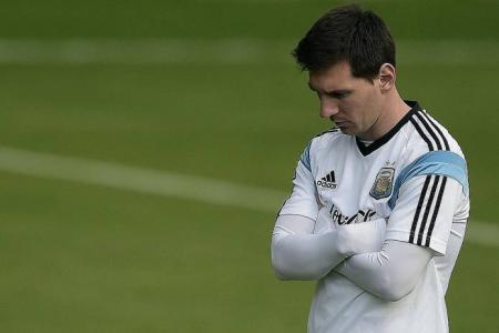 Messi looks jaded, says Lineker