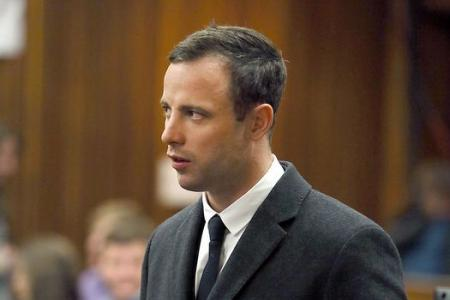 Pistorius breaks Twitter silence with tweets on love and pain