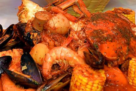 Heartthrob Nathan Hartono's greatest joy: Cooking