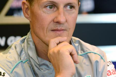 Schumacher is 'communicating by fluttering eye-lashes'