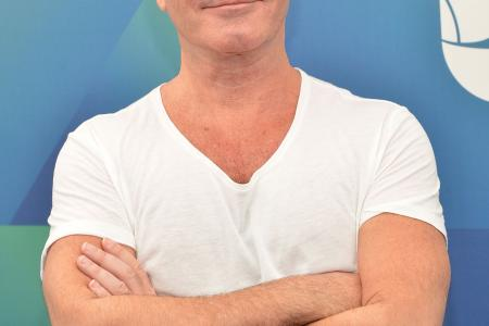 Simon Cowell denies gay claims made during drug trial